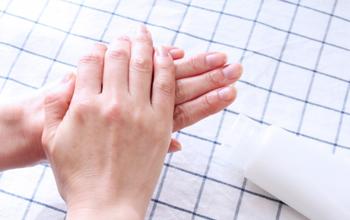 手洗い・アルコール消毒の実施